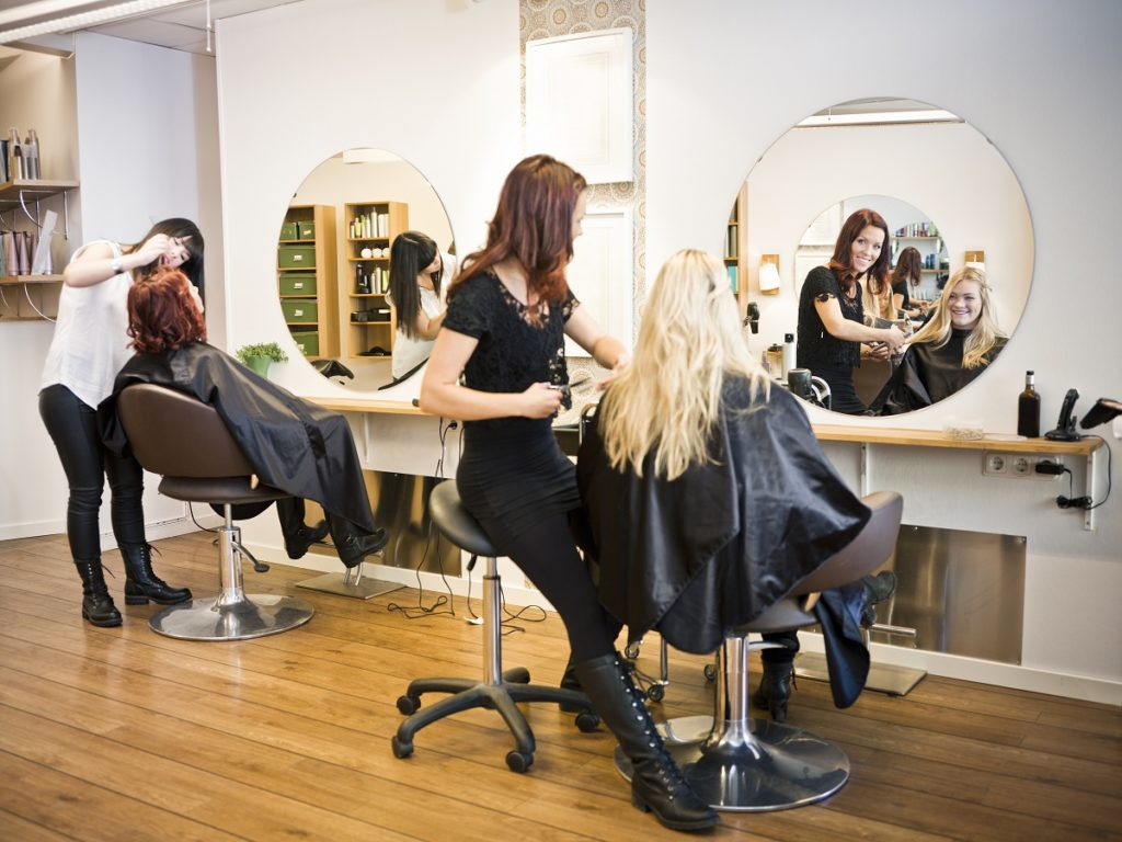 girls in salon