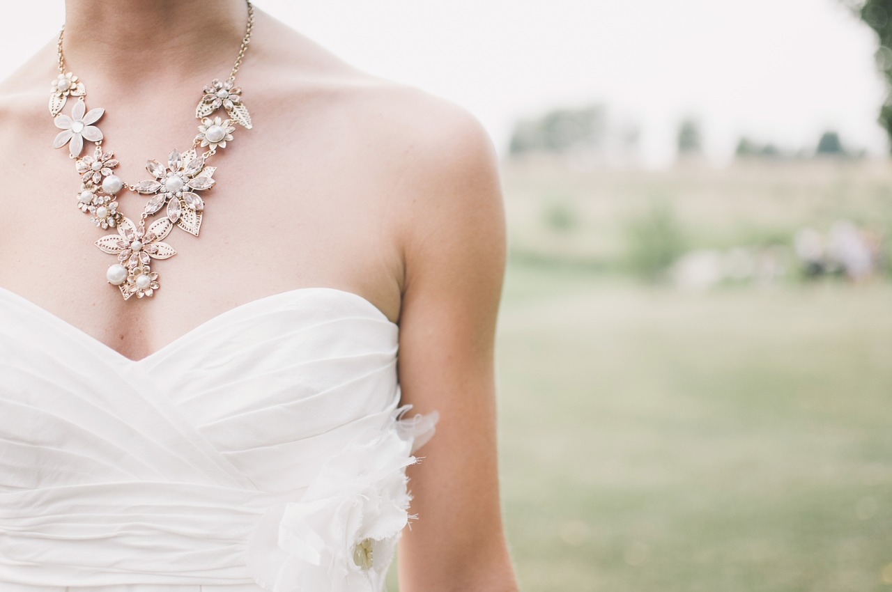 bride wearing necklace