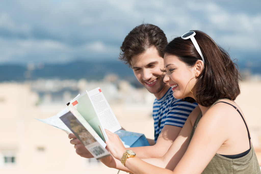 couple enjoying trip