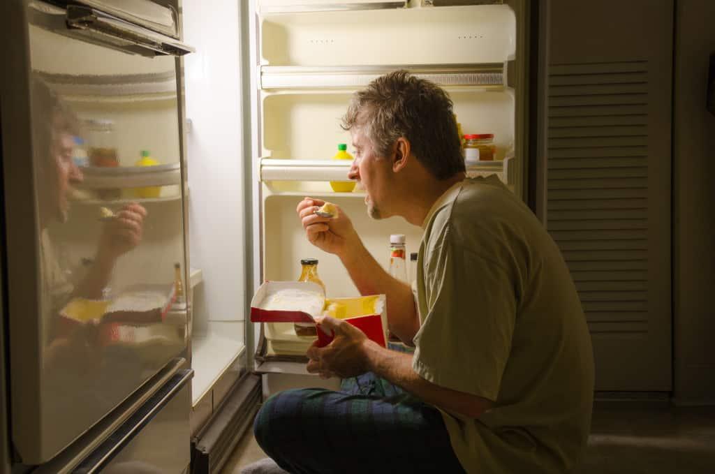 man stress eating